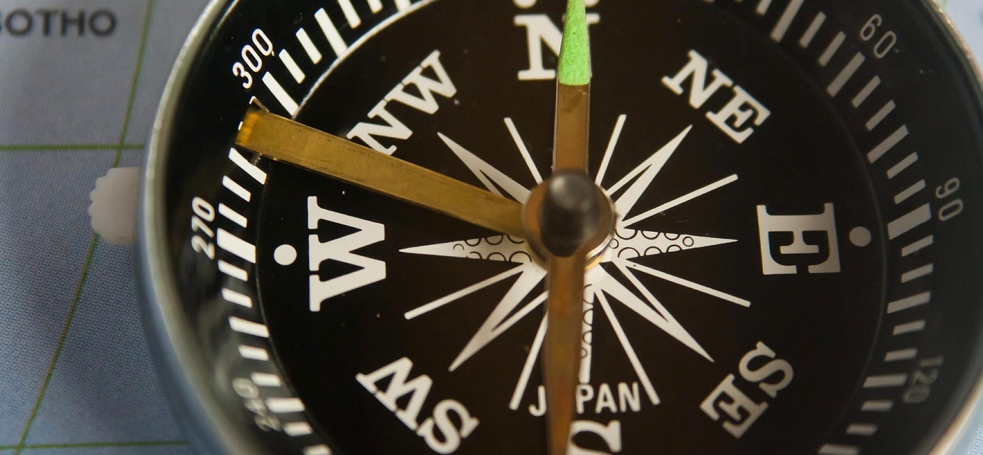compass-390907_1920 (1)